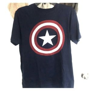 Captain America shield T-shirt medium marvel